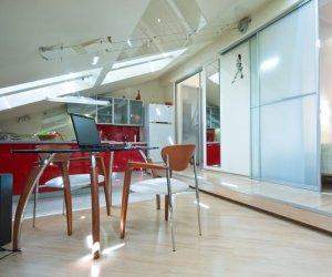 Как правильно снизить уровень поверхности потолка?